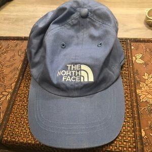 The North Face blue 🧢